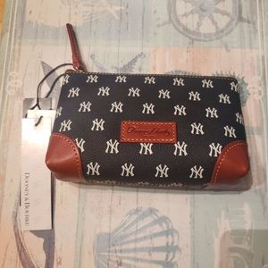 NWT Dooney & Bourke NY Yankees Makeup Pouch